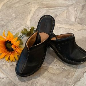 Born Black Leather Clog Mule Sz 9 Almost New.